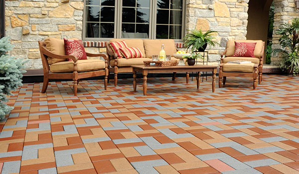 Outdoor-Living-Azek-Paver-Patio