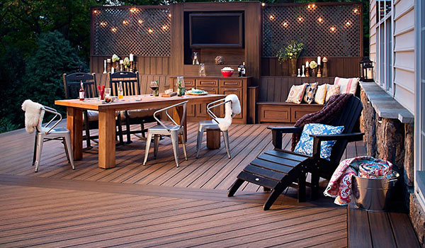 Outdoor-Living-Maintenance-Free-Deck